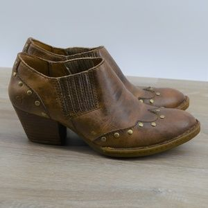Born Western leather ankle boots